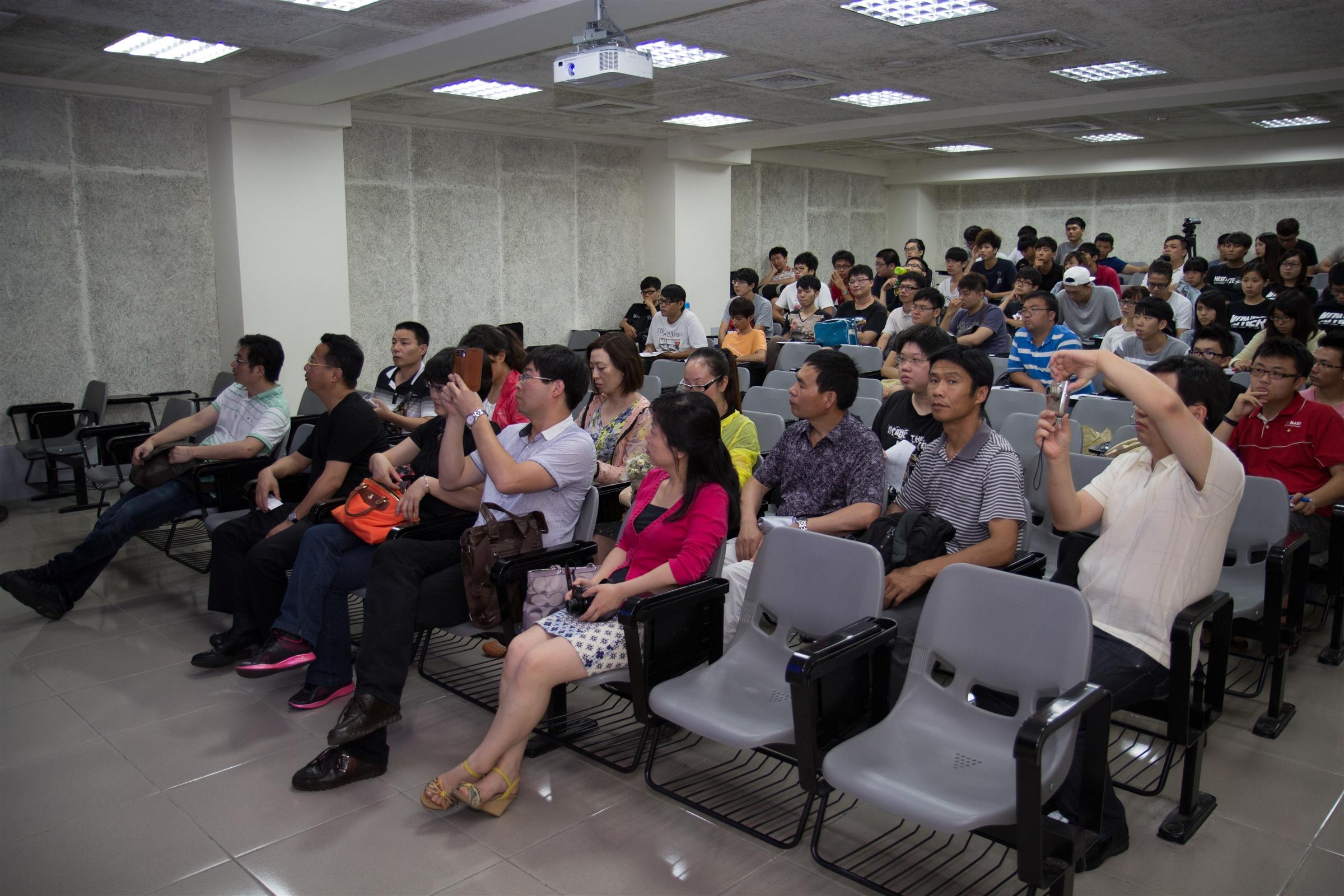 浙江農村促進會與生態中心交流農村生態處理技術